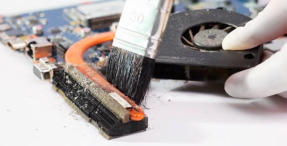 Как да почистим хардуера на лаптопа си у дома