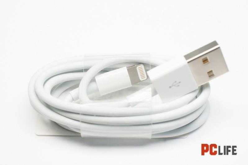 APPLE MD818ZM/A 1M-оригинален кабел за iphone 5 6